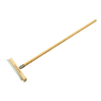 Bull Outdoor Products 66037 Lang Handled Brush