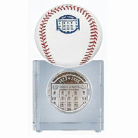 Steiner Sports NY Yank Stadium 09 Inaugural Season Crystal Paperweight Authentic Dirt