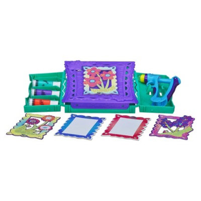 Play Doh DohVinci Anywhere Art Studio Easel & Storage Case Set