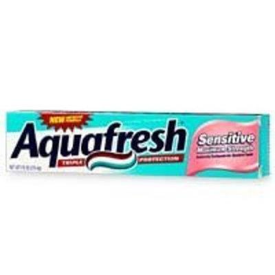 Aquafresh Fluoride Toothpaste for Sensitive Teeth, Maximum Strength, 7.6 oz (215.4 g)