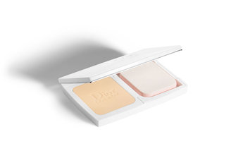 Dior Diorsnow Compact Luminous Perfection Brightening Foundation SPF 20 - PA +++