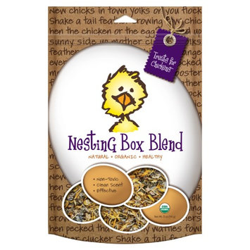 Treats For Chickens Llc Treats For Chickens Nesting Box Blend, Size: 1 lb. 6 oz. Bucket