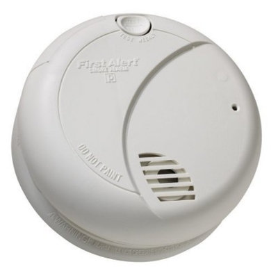 First Alert SA710CN Battery Operated Smoke Alarm with Photoelectric