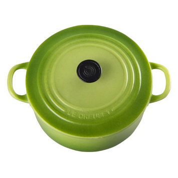 Le Creuset Cast Iron Round French Oven Magnet Color: Palm