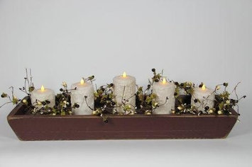Delighted Home DH-5PTBUC Burgundy 5 Pillar Trough with 1 6 in. - 2 5 in. and 2 4 in. Cream Pillars and Garland