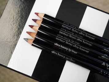 Avon Ultra Luxury Lip Liner