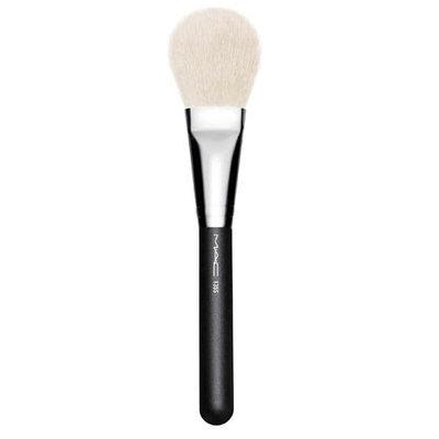 MAC 135 Large Flat Powder Brush