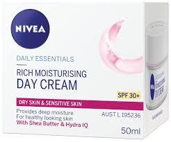 NIVEA Rich Moisturizing Day Cream