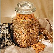 A L Schutzman Golden Kernel Fancy Colossal Cashew Jar (32 oz.)