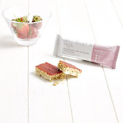 Exante Diet Deliciously Different Strawberry Jam and Yogurt Crunch Bar