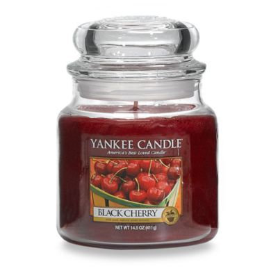 Yankee Candle Medium black cherry housewarmer candle