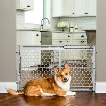 Carlson Pet Products Plastic Expandable Gate With Steel Support Rod