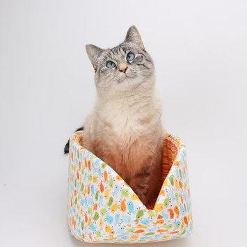 Thecatball Cat Bed in Cute Cartoon Birds Fabric