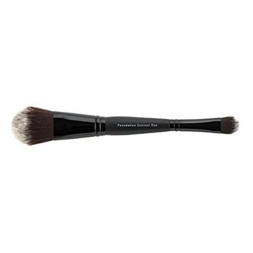 Jolie Cosmetics Double Ended Foundation & Concealer Duo Brush - Synthetic Fibers/Vegan/Cruelty Free