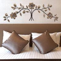Stratton Home Decor Floral Bouquet Wall Art, Multi/None