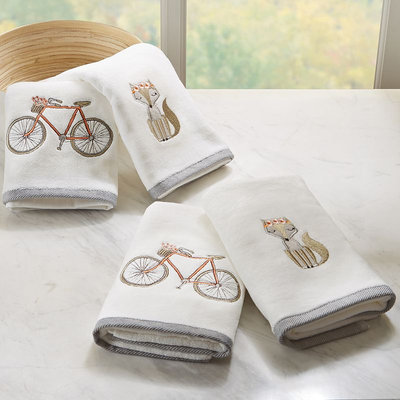 HipStyle 4-pack Afternoon Ride Embroidered Towel, White