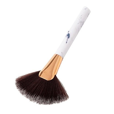 MonkeyJack New Wood Handle Fan Makeup Tool Facial Powder Cheek Blusher Comtour Highlight Brush