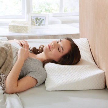 Brookstone Total Support Memory Foam Pillow