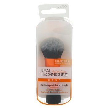 Real Techniques by Samantha Chapman Mini Expert Face Brush 1 Brush