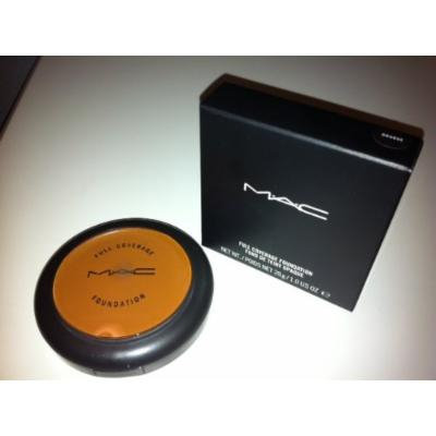 MAC Full Coverage Foundation ~ ORANGE ~ Limited edition