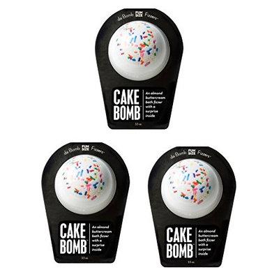 Da Bomb Bath Fizzers 'Cake' Bomb Bath Soak, Almond Buttercream Scent 3.5 oz (PACK OF 3)