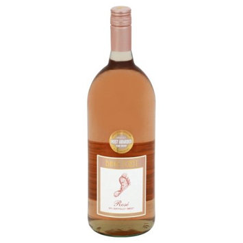 E & J Gallo Winery Barefoot Rose 1.5 L