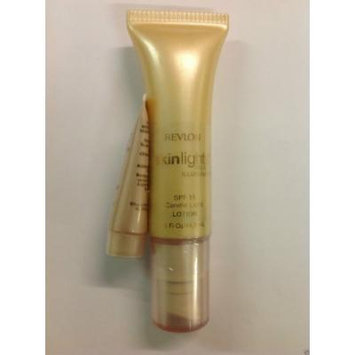 Revlon Skinlights Face Illuminator Candle Light Lotion SPF 15.
