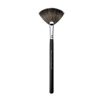 S.I.L.K. by Royal and Langnickel C300 Pro Finishing Fan Make-up Brush