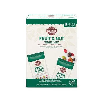 Wellsley Farms Fruit and Nut Trail Mix, 16 pk./1.25 oz.