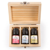 Precious Flowers Set includes 5 ml Rose absolute, 5 ml Neroli and 5 ml Jasmine absolute
