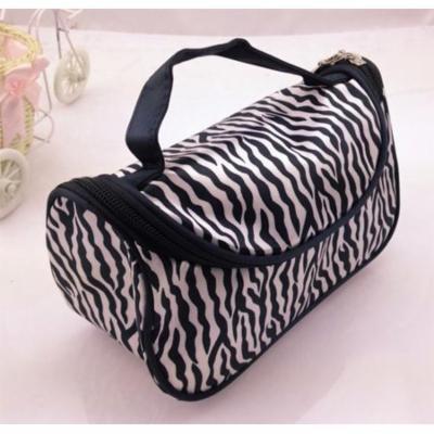 Women Travel Zipper Closure Wave Cosmetic Makeup Bag White&Black