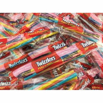 Twizzlers Twisted Strawberry Blast Candy, Pull N Peel Snack Size (Pack of 2 Pounds)