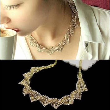 Generic High-end_aosphere_low-key_luxury_ European _and_ American _vintage_ crystal necklace pendant _over_drilling_a_ short _section_of_the_ clavicle chain _exaggerated_ accessories women girl _dinne