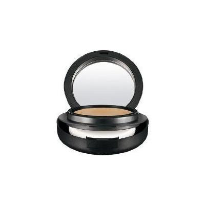 MAC Mineralize Foundation NW25 by CoCo-Shop