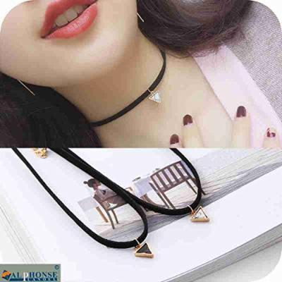 Generic Korean Natural _stones_falling_trend_ simple _triangle_ neckband collar short _paragraph_ clavicle chain necklace pendant decorative necklace pendant women