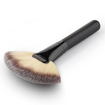 Demarkt Professional Fan-shaped Blush Brush Premium Cosmetic Brush Powder Brush
