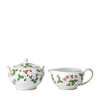 Wedgwood Wild Strawberry Sugar & Creamer Set