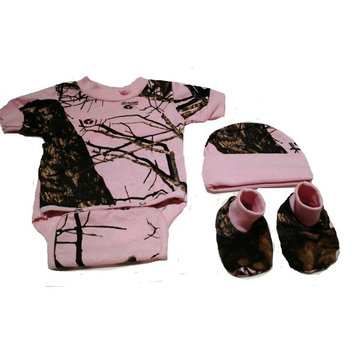 born Baby Pink Camo Diaper Shirt Hat & Booties Set Mossy Oak Breakup Country Camo