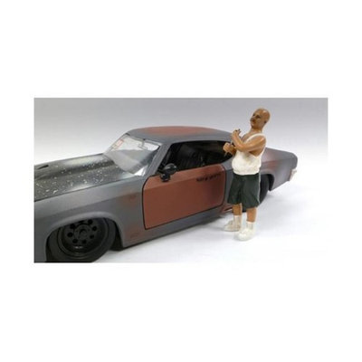 American Diorama 23816 Auto Thief Figure for 1-24 Diecast Models