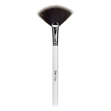 Nanshy Fan Brush - Pearlescent White