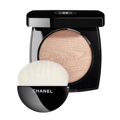 CHANEL Poudre Lumière, Highlighting Powder