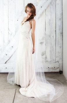 Veil Trends J-Picone Kauai Mesh Bridal Veil, Size One Size - Ivory