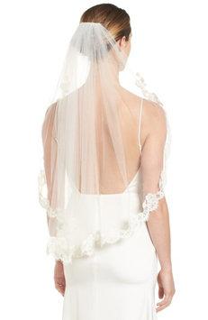 Veil Trends Poppy Lace Bridal Veil, Size One Size - Ivory