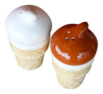 Great Finds Chocolate Vanilla Ice Cream Cone Salt and Pepper Shakers