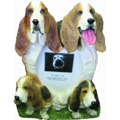 Basset Hound Picture Frame Holds Your Favorite 4 x 6 Inch Photo, A Hand Painted Realistic Looking Basset Hound Family Surrounding Your Photo. This Beautifully Crafted Frame is A Unique Accent To Any Home or Office. The Basset Hound Picture Frame Is The Perfect Gift For Basset Hound Owners And Lovers!