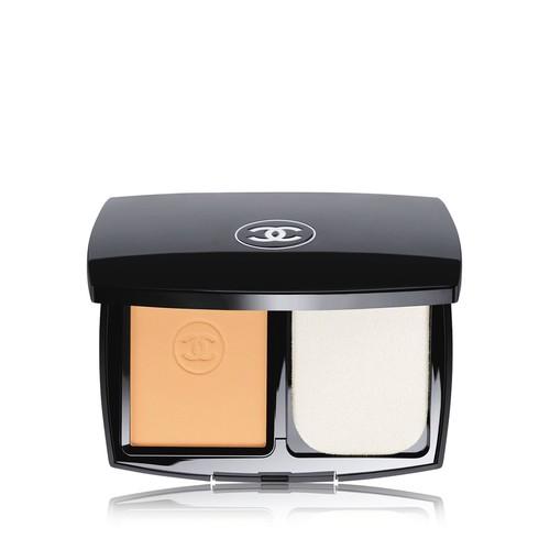 Chanel Le Teint Ultra Tenue Ultrawear Flawless Compact Foundation SPF 15