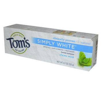 Tom's of Maine Simply White Natural Toothpaste, Clean Mint, 4.7 Ounce, Pack of 6 [Clean Mint]