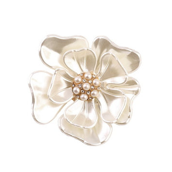 Luxury Elegant Women Faux Shell Pearl Vintage Flower Brooch Pin Brooches