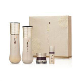 The Face Shop Myeonghan Miindo Heaven Grade Ginseng Set: Toner 160ml + Emulsion 140ml + Essence 10ml + Cream 25ml