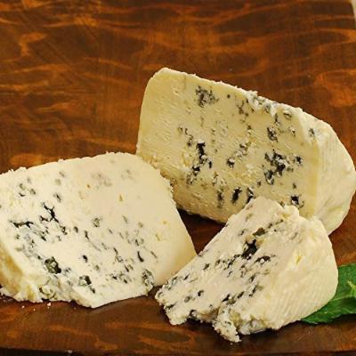 Saint Agur - 2.5 lbs (cut portion)